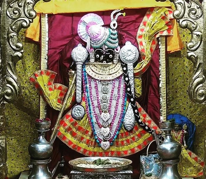 Download Dwarkadhish Mandir Photo