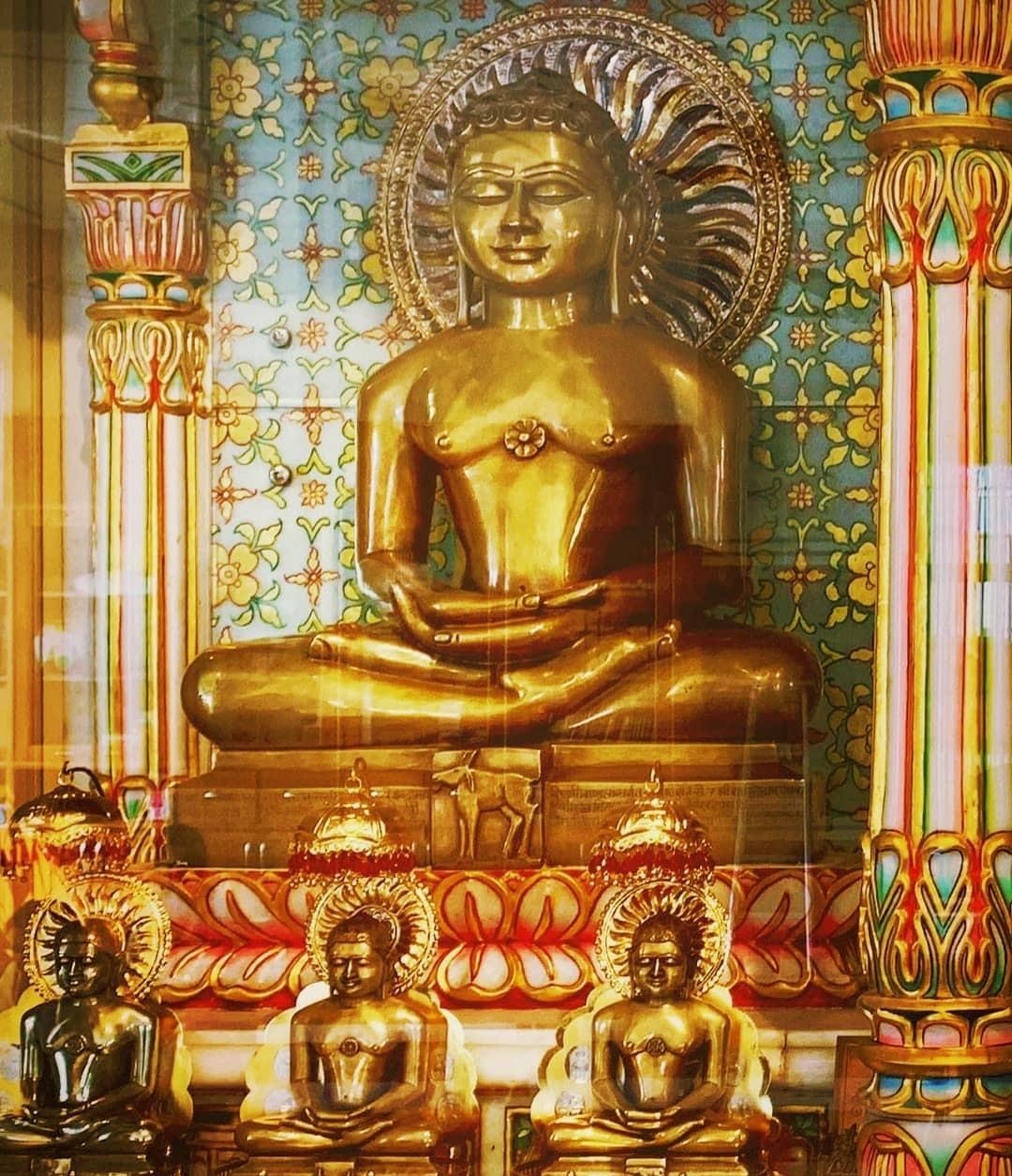 Superlative Mahavir Swami Images Photo ...